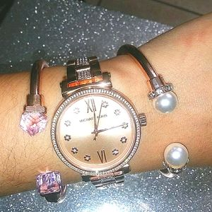 ✨ROSE GOLD CRYSTAL WATCH FLOWER PAVE MICHAEL KORS